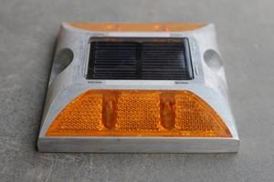 paku-marka-solar-4-lampu-3