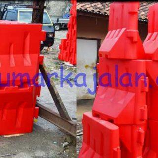 Pabrik Road Barrier Plastik