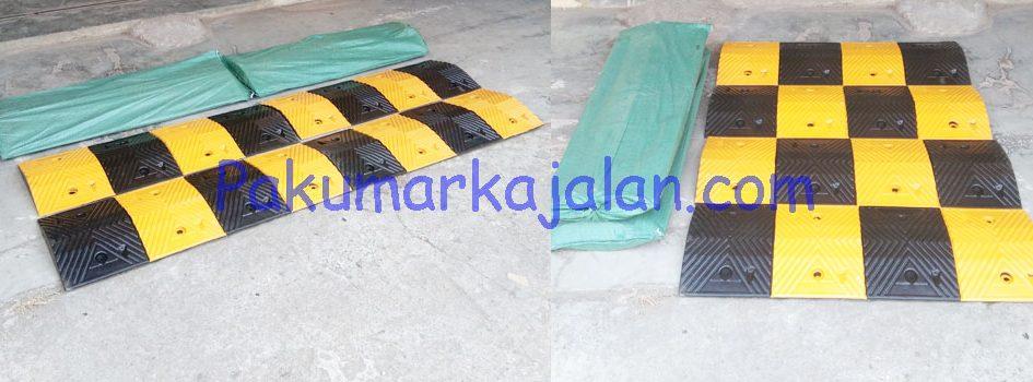 Rubber Speed Bump 1 Meter Rubber Speed Bump 1 Meter ini diproduksi berupa potongan karet sehingga dapat disesuaikan dengan lebar jalan raya atau sesuai kebutuhan. Rubber Speed Bump 1 Meter adalah perlengkapan lalu lintas yang berfungsi sebagai pembatas kecepatan atau